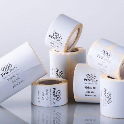 Propakas parduodamos lipnios etiketės